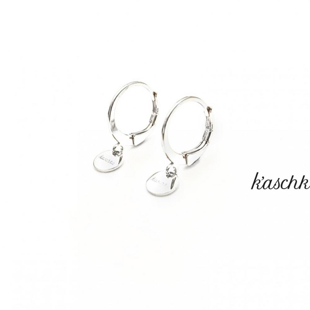 Zilver plated & RVS oorbellen met een klein plat bedeltje