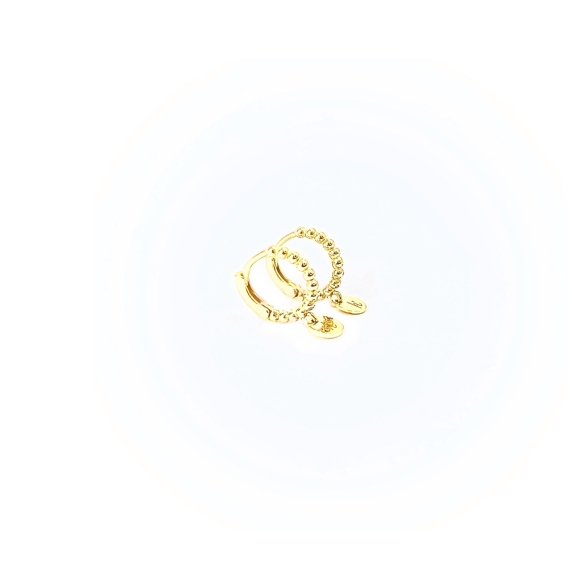 Goud plated balletjes creolen mini platte bedel